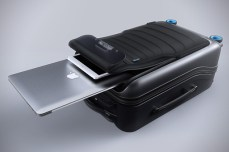 Bluesmart-Smart-Carry-On-Suitcase-5