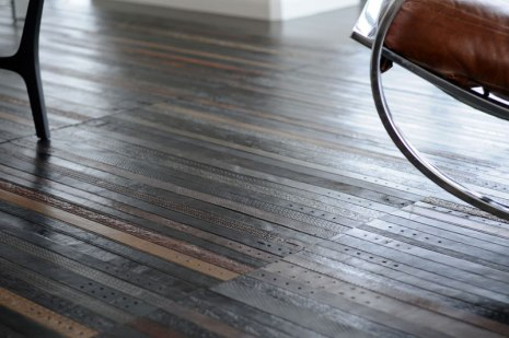 flooring-rugs-made-from-old-leather-belts-by-ting-2