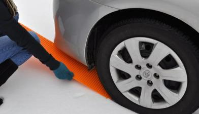 portable-tow-truck-an-emergency-tire-traction-strip-1597
