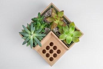 kvetinac-drziak-na-pera-5