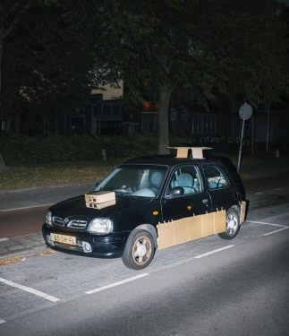 max-siedentopf-pimps-out-cars-at-night-with-cardboard-and-tape-designboom-08