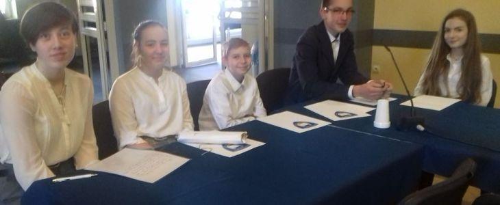 Posłowie z naszej szkoły na spotkaniu inauguracyjnym Młodzieżowego Sejmu Rzeczpospolitej Mosińskiej