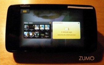 Alternando tarefas no N900: basta um toque no botão de menu para trocar de aplicativo