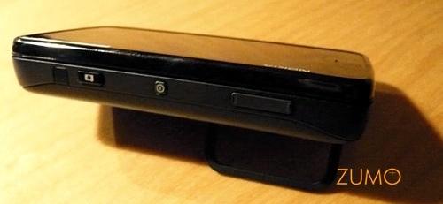 N900 apoiado na mesa