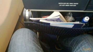 Para comparação, o espaço na classe econômica da South African Airways (Airbus A340)
