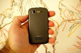 MotoTV: câmera de 3 megapixels e alto-falante