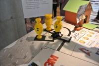 Os funcionários do SAP Labs podem se dedicar a projetos voluntários e de inclusão social: aqui, para construir robôs de Lego