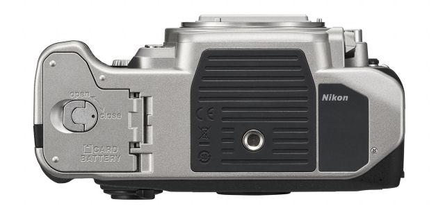Nikon_Df_bottom