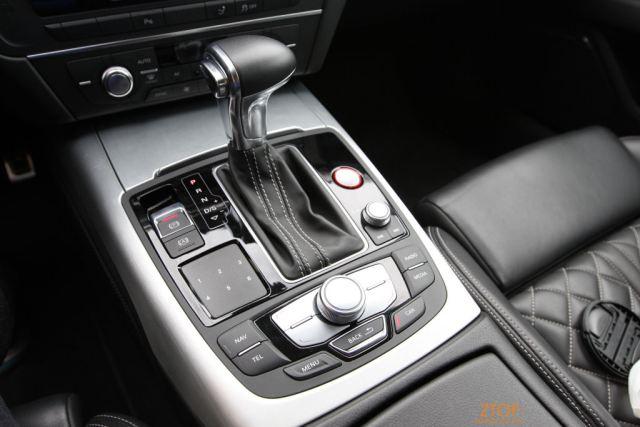 Audi_S7_console