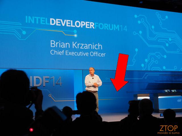 IDF_Krzanich_keynote_mistery_demo4
