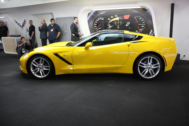 corvette stingray lateral