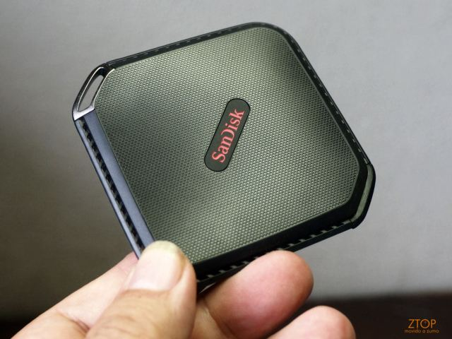 Sandisk_extreme_500_SSD_na_mao