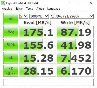 Aspire_ES4_crystal_diskmark