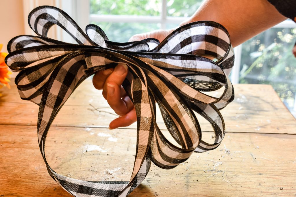 step 4 - how to make an easy bow for a wreath