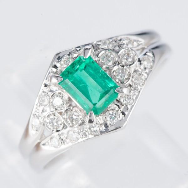 エメラルドxダイヤモンド プラチナリング E: 0.57 ct D: 0.20ct Pt900