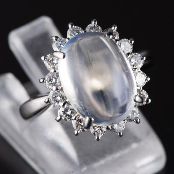ハロー ブルームーンxダイヤモンド プラチナリング Bm: 5.1 ct D: 0.59ct Pt900