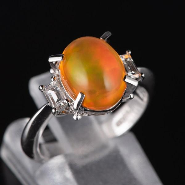スリーストン メキシコオパールxダイヤモンド プラチナリング MO: 3.21 ct D: 0.3ct Pt900