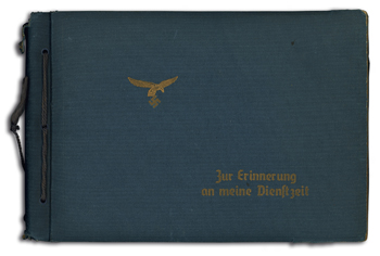 Album eines Berufssoldaten der Luftwaffe mit Fotos der Ausbildung und des militärischen Alltags vor dem Krieg, um 1936; Privatbesitz