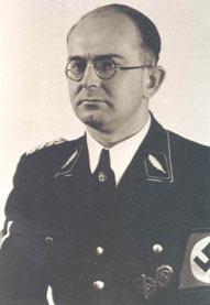 """Franz Alfred Six, 1937-1939 faktischer Leiter des SD-Inland und treibende Kraft der """"Akademisierung"""" des Sicherheitsdienstes. Quelle: Bundesarchiv."""