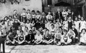 Dritte Klasse 1937/38 an der jüdischen Schule in der Herzog-Rudolf-Straße; Quelle: Stadtarchiv München, Hugo Holzmann