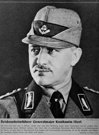 Reichsarbeitsführer Konstantin Hierl. Aufnahme aus einem Kalender mit Bildern der NS Führung, 1939. Quelle: United States Holocaust Memorial Museum, Washington. Photograph #4524.