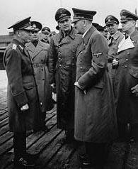 Marschall Ion Antonescu (1882-1946) bei einem Besuch Adolf Hitlers.
