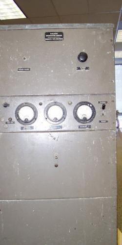 Magnetophon-Prototyp von McClatchy, erstes im US-amerikanischen Rundfunk eingesetztes Tonbandgerät. Quelle: JESSIE V. HEINZMAN / SACRAMENTO ARCHIVES AND MUSEUM COLLECTION CENTER; PRIVAT BETTINA MIKHAIL