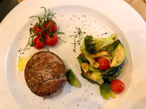 Rinderfilet mit Gemüse