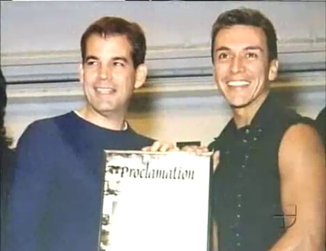 mayor miami made December 13th the official Zumba Day and has awarded Beto Perez for it