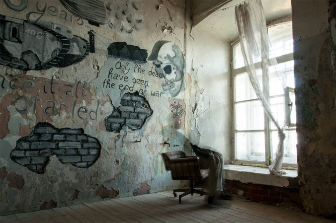 Patarei-Merekindlus---Estonia-Tallinn-prison-graffiti-only-the-dead-have-seen-the-end-of-war