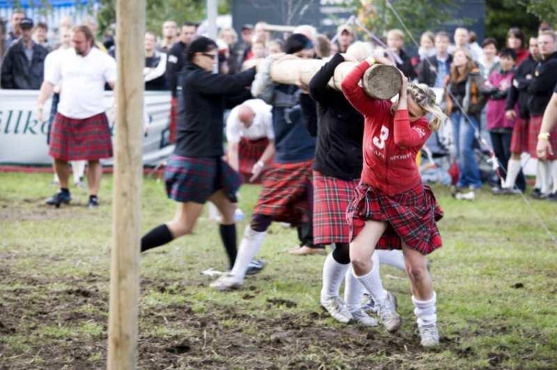 Schottische Spaß bei den ZUSAMMENSPIEL Highland Games als Betriebsausflug