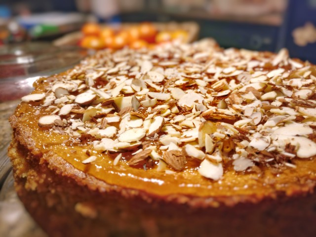 Istrian cake with almonds and curd