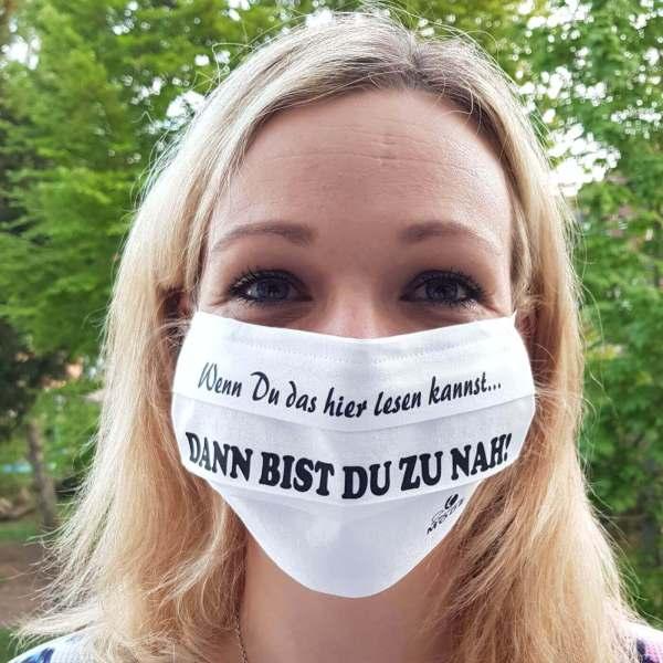 """Gesichtsmaske wiederverwendbar lustig mit Humor / Sprüche mit """"Wenn Du das lesen kannst, dann bist Du zu nah!"""" aus Schonach im Schwarzwald"""