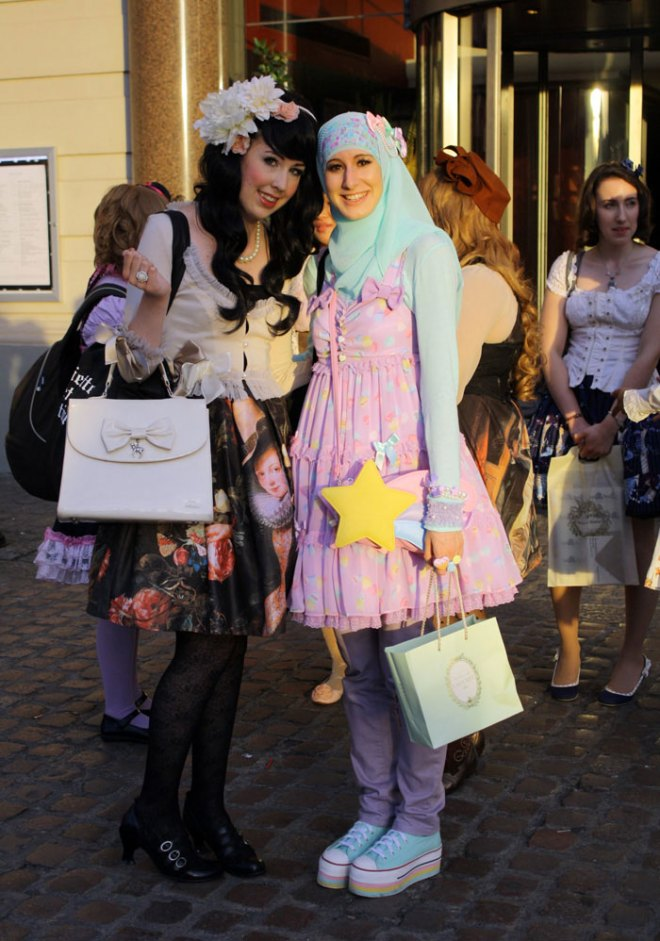muslim-lolita-hijab-japanese-fashion-anime-37