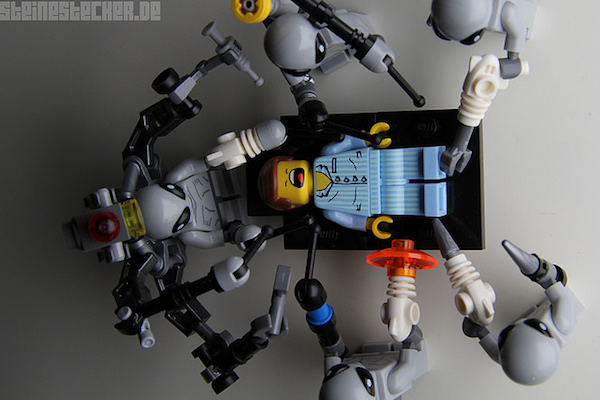 lego-alien-abduction-3