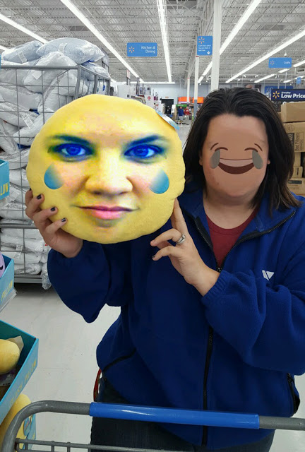 emoji-pillow-face-swap