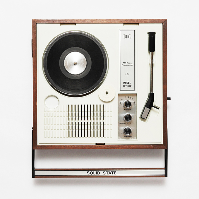 japanese-portable-record-players-11