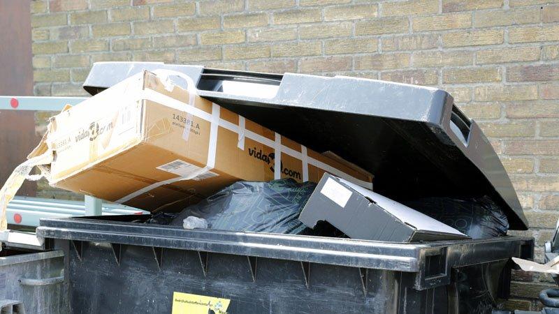 Nieuws Bij het vuilnis