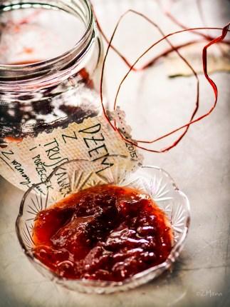 z widokiem na stół | dżem z truskawek z porzeczką i rozmarynem