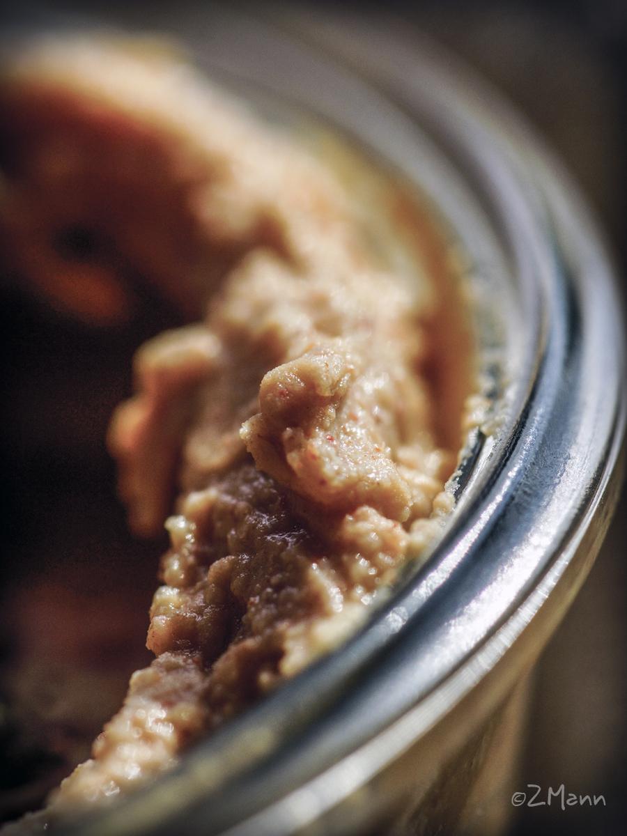 z widokiem na stół | hummus