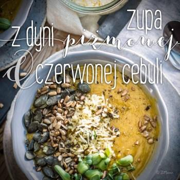 z widokiem na stół | zupa z dyni pizmowej i czerwnej cebuli