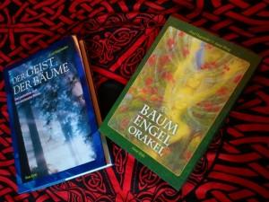 Buch und Karten von Fred Hageneder