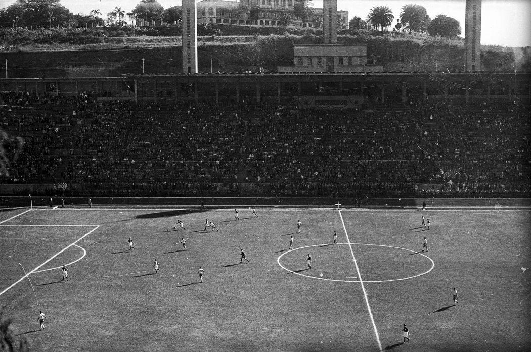Im bisher einzigen Ernstkampf gegen Brasilien holt die Schweiz 1950 an der WM ein 2:2. (RDB)