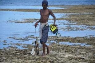 Rybak z ośmiornicami Kenia