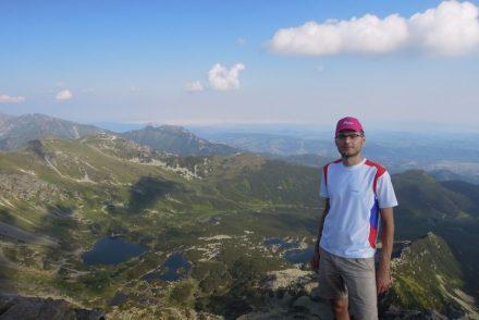 Widok z Kościelca na stawy gąsienicowe, Kasprowy Wierch i Giewont Tatry