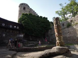 Zamek Chojnik dziedziniec