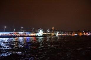 Most Galata nocą Stambuł Turcja