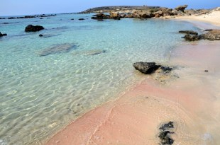 Różowy piasek na Elafonisi Kreta
