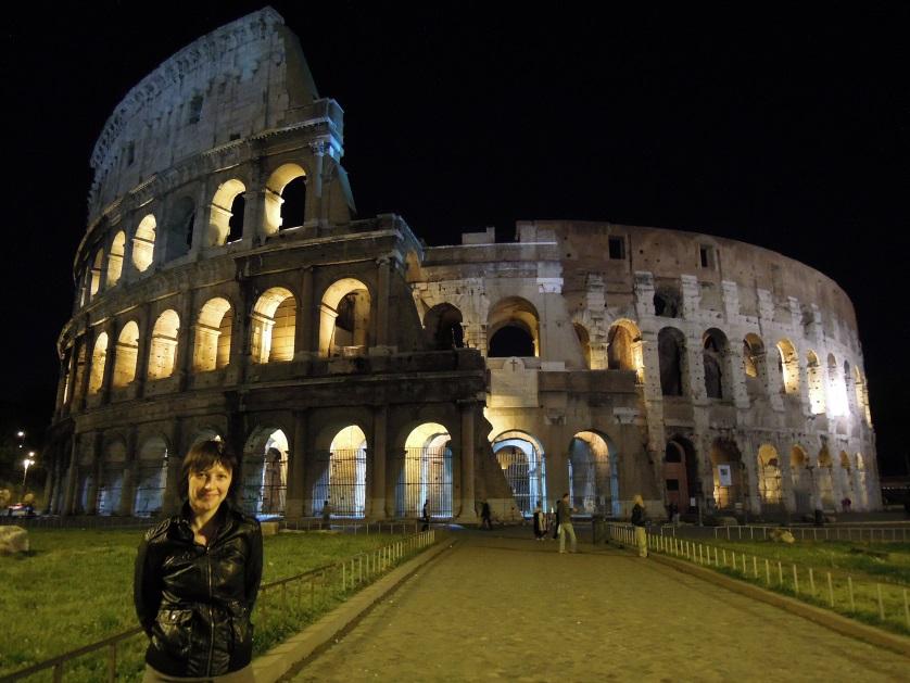 Koloseum nocą Rzym