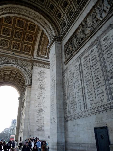 Łuk Triumfalny z dołu Paryż